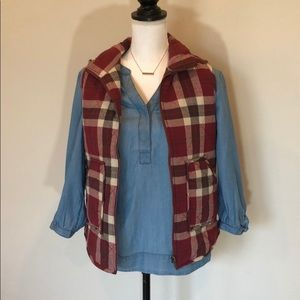 Women's Red Checkered vest size small with pockets